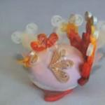 Roztomilá kuřátka z vajíček